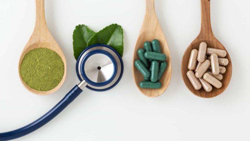 دارو گیاهی  جاویدان ، در جهت تکریم  مشتریان  و کمک به درمان مشکلات بیماران از طریق گیاهان دارویی ،  دانش طب سنتی ، عنبیه شناسی و عنبیه سنجی در خدمت شما عزیزان می باشد . همراهان گرامی می توانند از طریق واتساپ  پیغام ارسال کرده  و مشکلات خود را با ما در میان بگذارند تا متخصصین دارو گیاهی ما ، بهترین گزینه ها را در اختیارشان بگذارند .