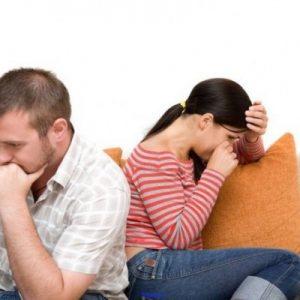 یکی دیگر از عوامل ناباروری که به شدت در روابط زوجین هم موثر می باشد ، استرس ، افسردگی و فشار های روحی و روانی است که به مردان وارد می شود و به خصوص در افراد سرد مزاج(زن یا مرد) این مساله بیشتر نمود پیدا می کند